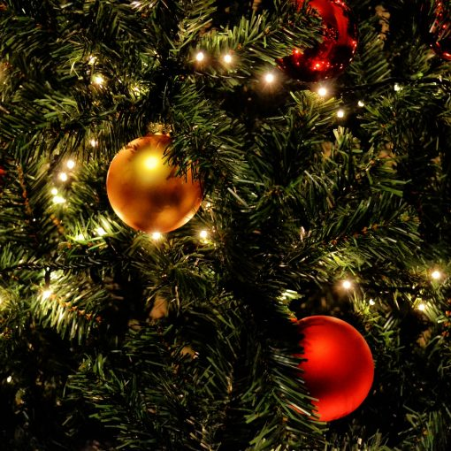 Juhlava joulukuusen koristeet.